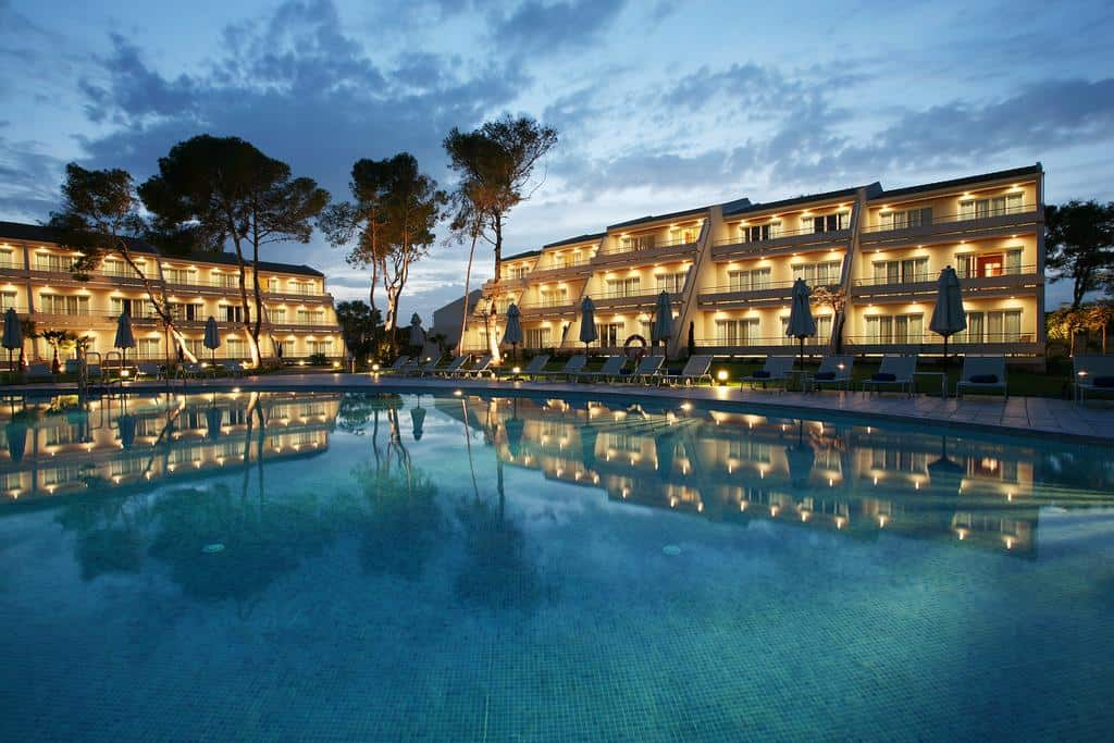Luxury hotels mallorca luxury hotel mallorca blau porto for Porto design hotel