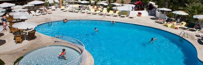 Four Seasons Fairways Resort Pool