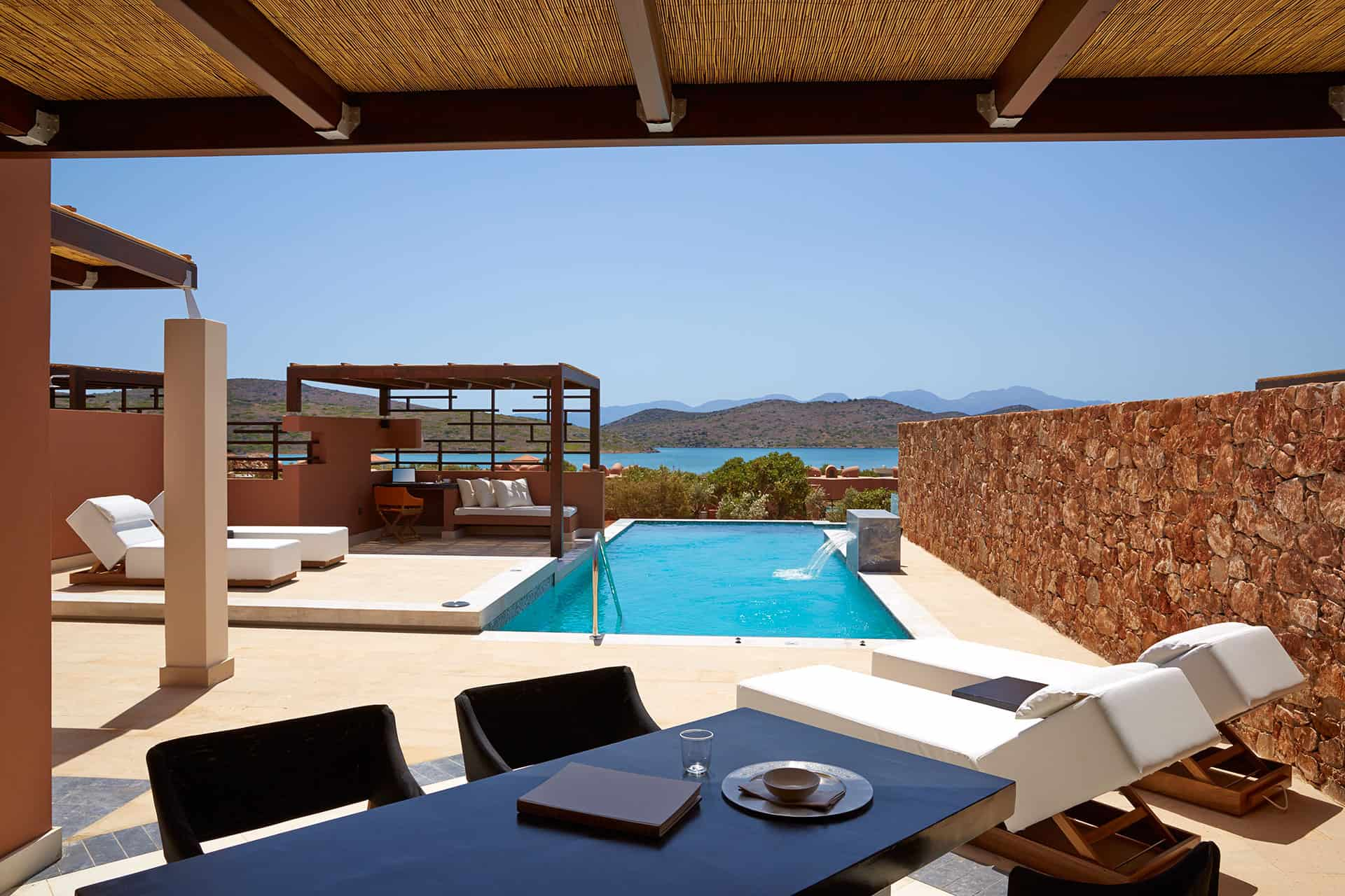 Luxury holidays luxury resorts luxury villas design for Design hotel kreta